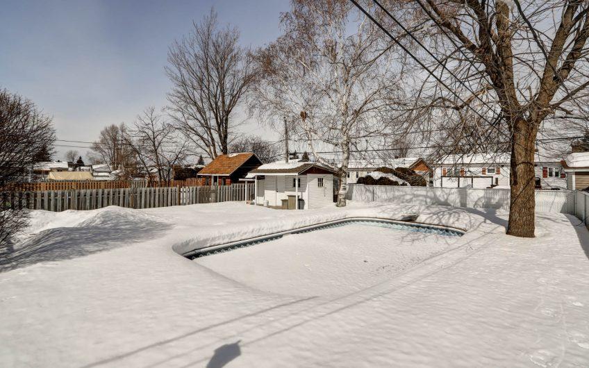 Mascouche maison avec piscine creusée